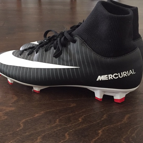 Nike Shoes   Boys Soccer Cleats   Poshmark